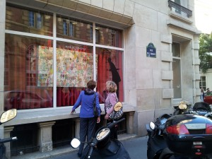 Lady Jane and Robyn catching a look at Agnes' work in Manual Canovas Paris window.